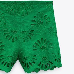 NWT Green Embroidered Eyelet High Waisted Shorts L